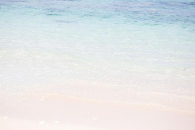 透き通る海の写真