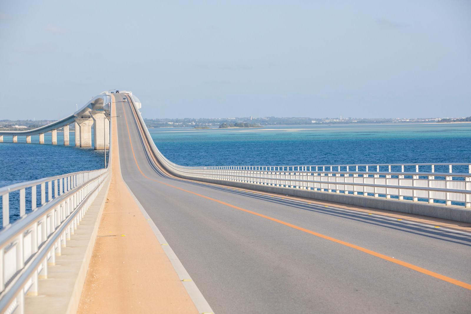 「全長3,540mの伊良部大橋」の写真