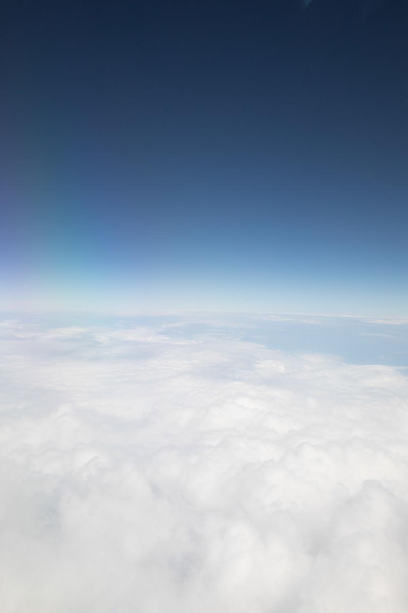 「雲と空の境(上空)」の写真