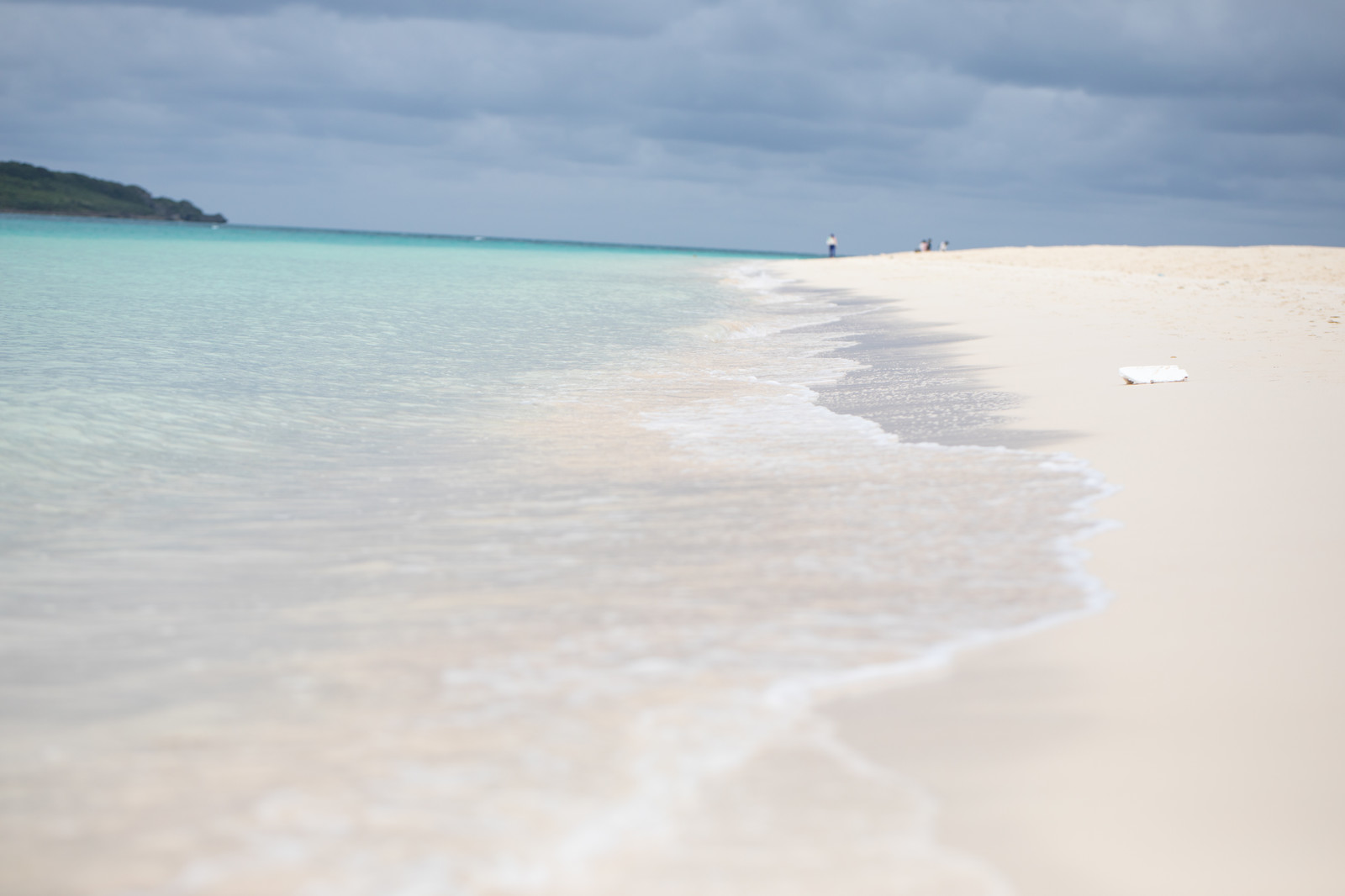 「白い砂浜の海水浴場(宮古島)」