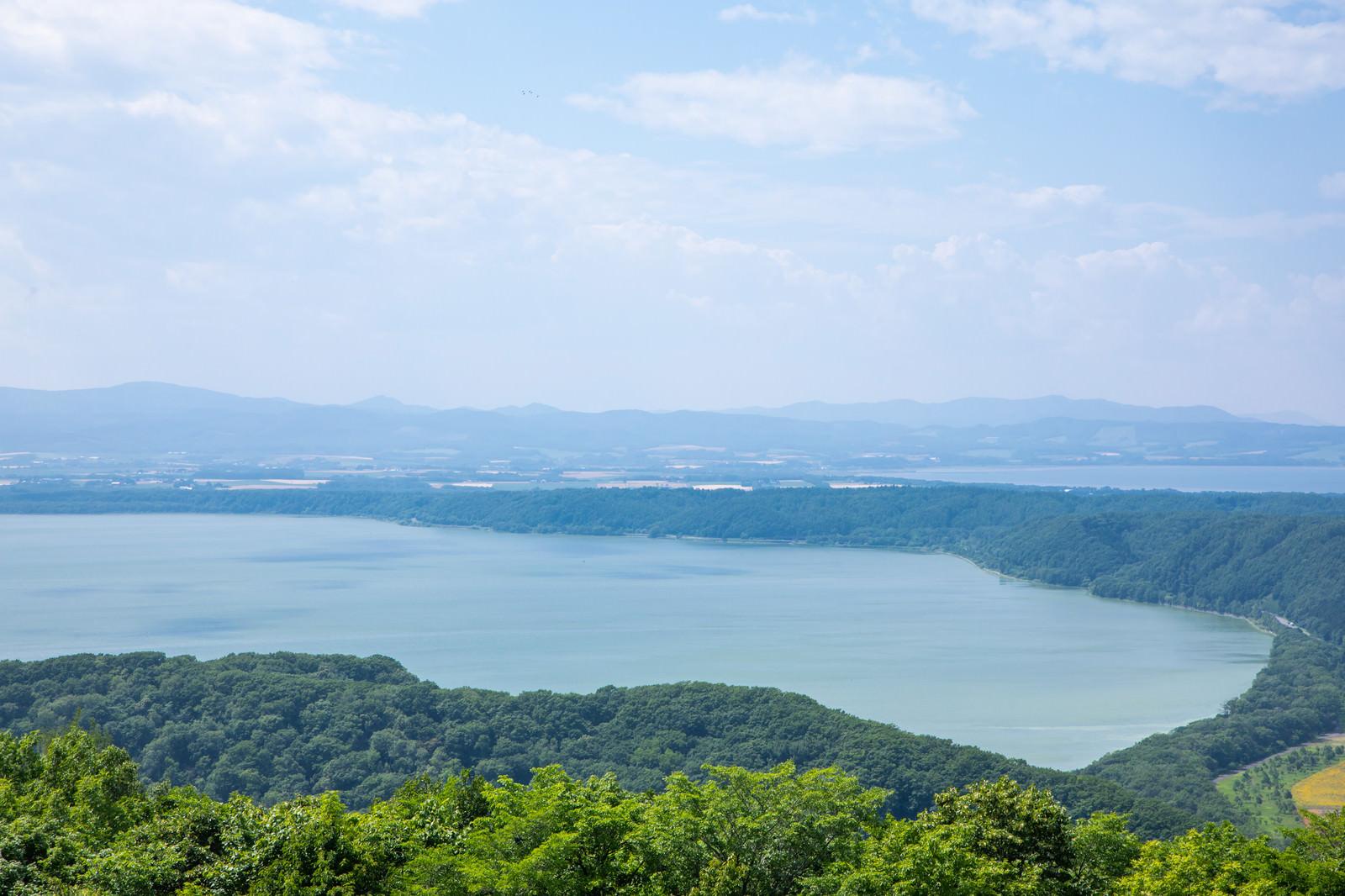 「周囲39.2kmの網走湖(海跡湖)」の写真