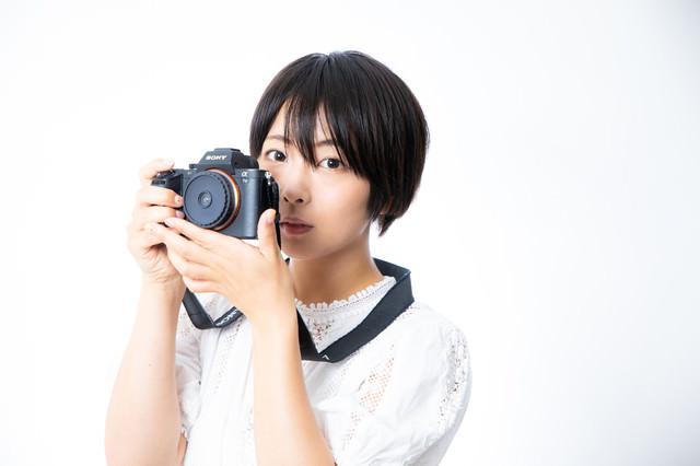 Utulens で撮影するカメラ女子の写真