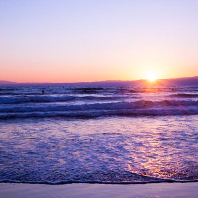 「日の出と海」の写真素材