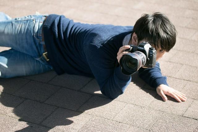 下心を抑え下なめで撮影するポトレ専門のアマチュアフォトグラファーの写真