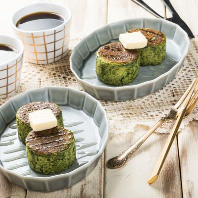 「ほうれん草のベジパンケーキ(グルテンフリー)」の写真素材