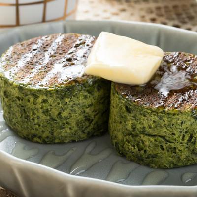「ダイエットに最適! グルテンフリーの厚焼きベジパンケーキ」の写真素材