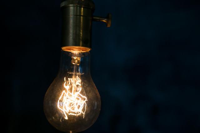 フィラメント電球の写真