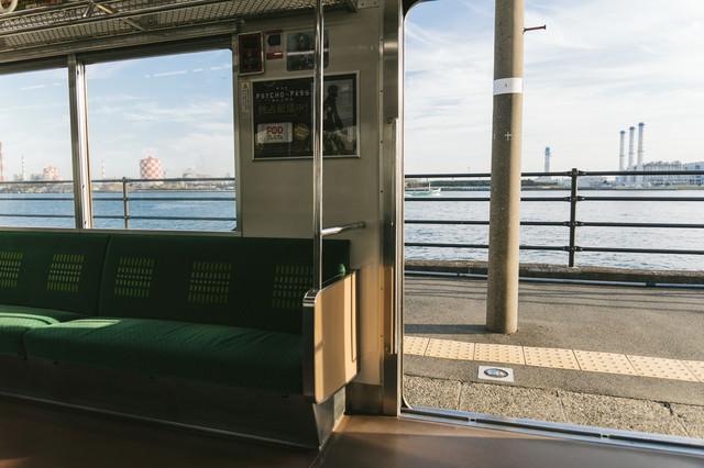 都会の秘境駅「海芝浦」の様子の写真