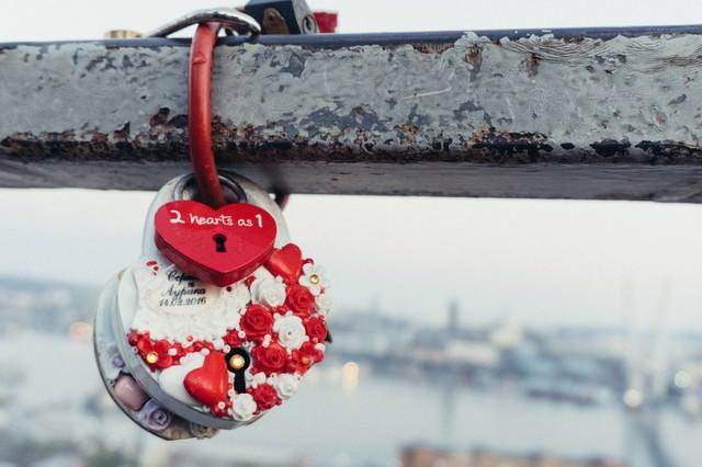 2 hearts as 1の写真