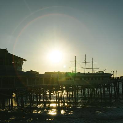 「逆光とレドンドビーチ」の写真素材