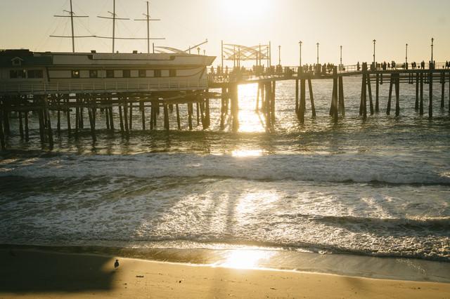 日が落ちたレドンドビーチのキングハーバーの写真