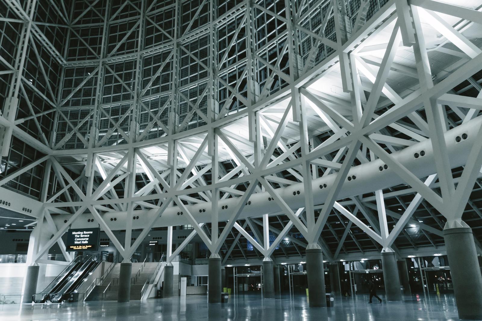 「ロサンゼルス・コンベンション・センター内 | 写真の無料素材・フリー素材 - ぱくたそ」の写真