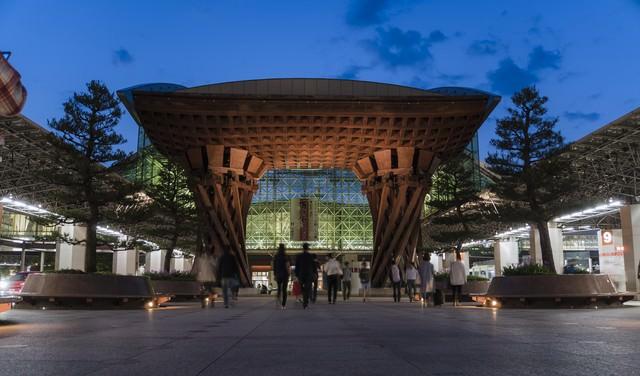 金沢駅「鼓門」の写真