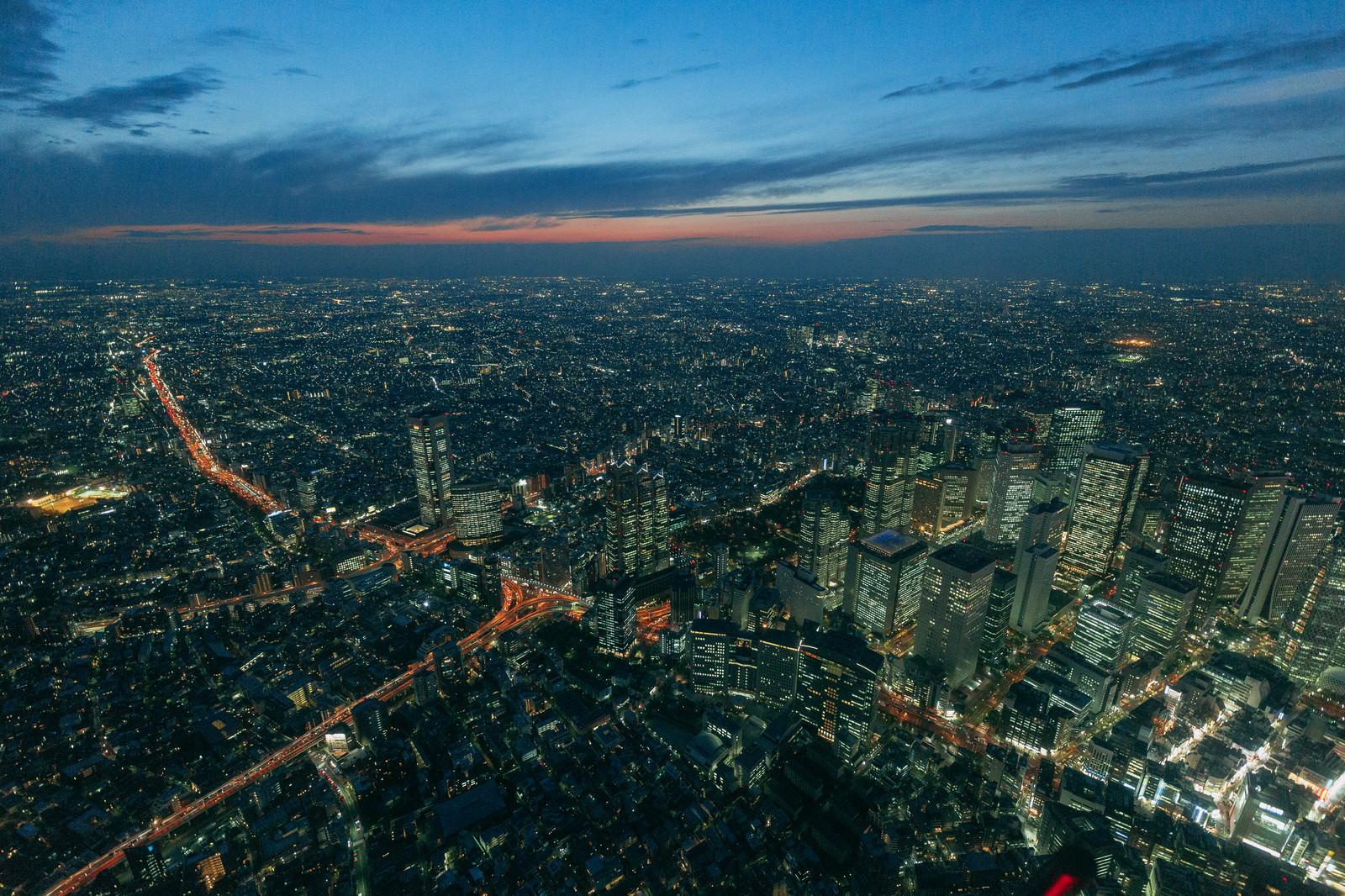 「東京都心上空の夜景」の写真