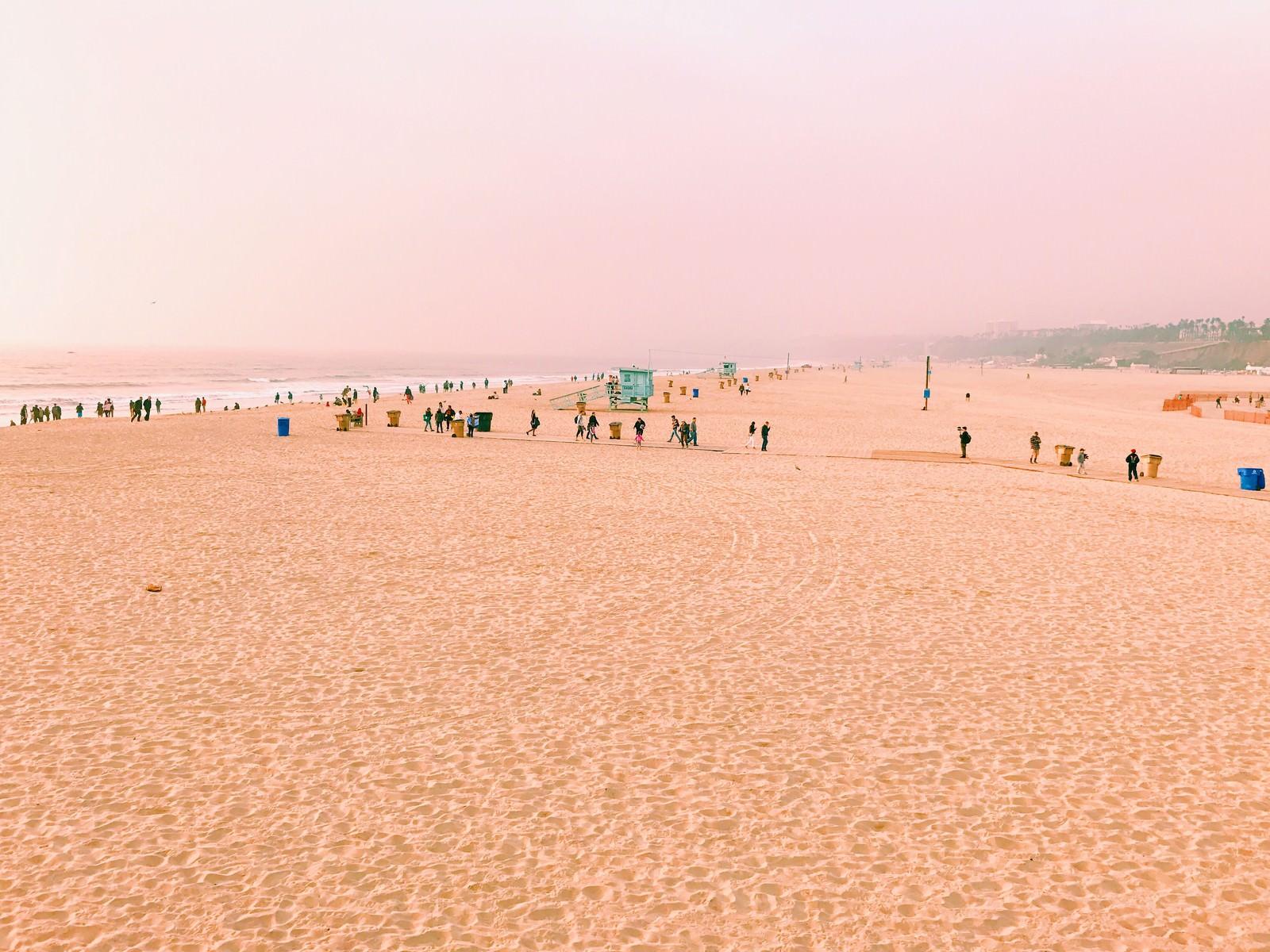 「サンタモニカのビーチ(カリフォルニア)サンタモニカのビーチ(カリフォルニア)」のフリー写真素材を拡大