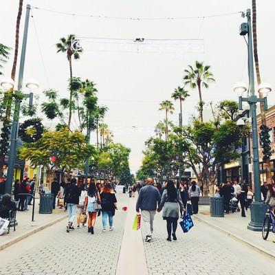 「カリフォルニアのショッピング街」の写真素材