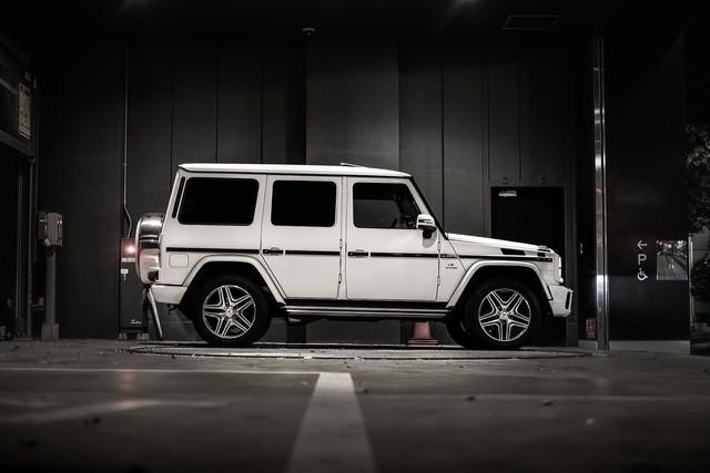 「駐車中のオフロード車」のフリー写真素材