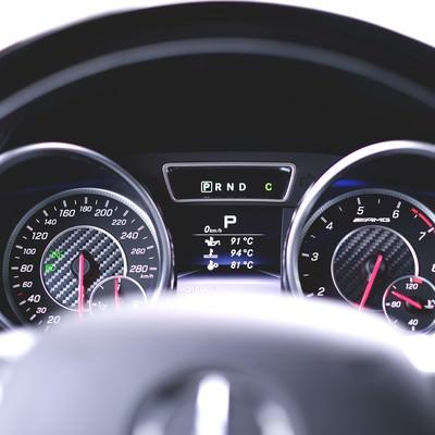 「車のスピードメーター」の写真素材