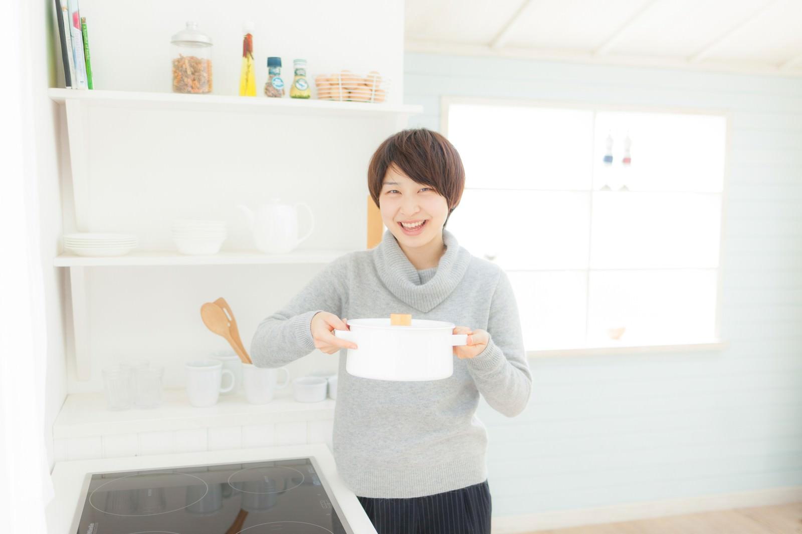「朝ごはんできたよ!」の写真[モデル:八木彩香]