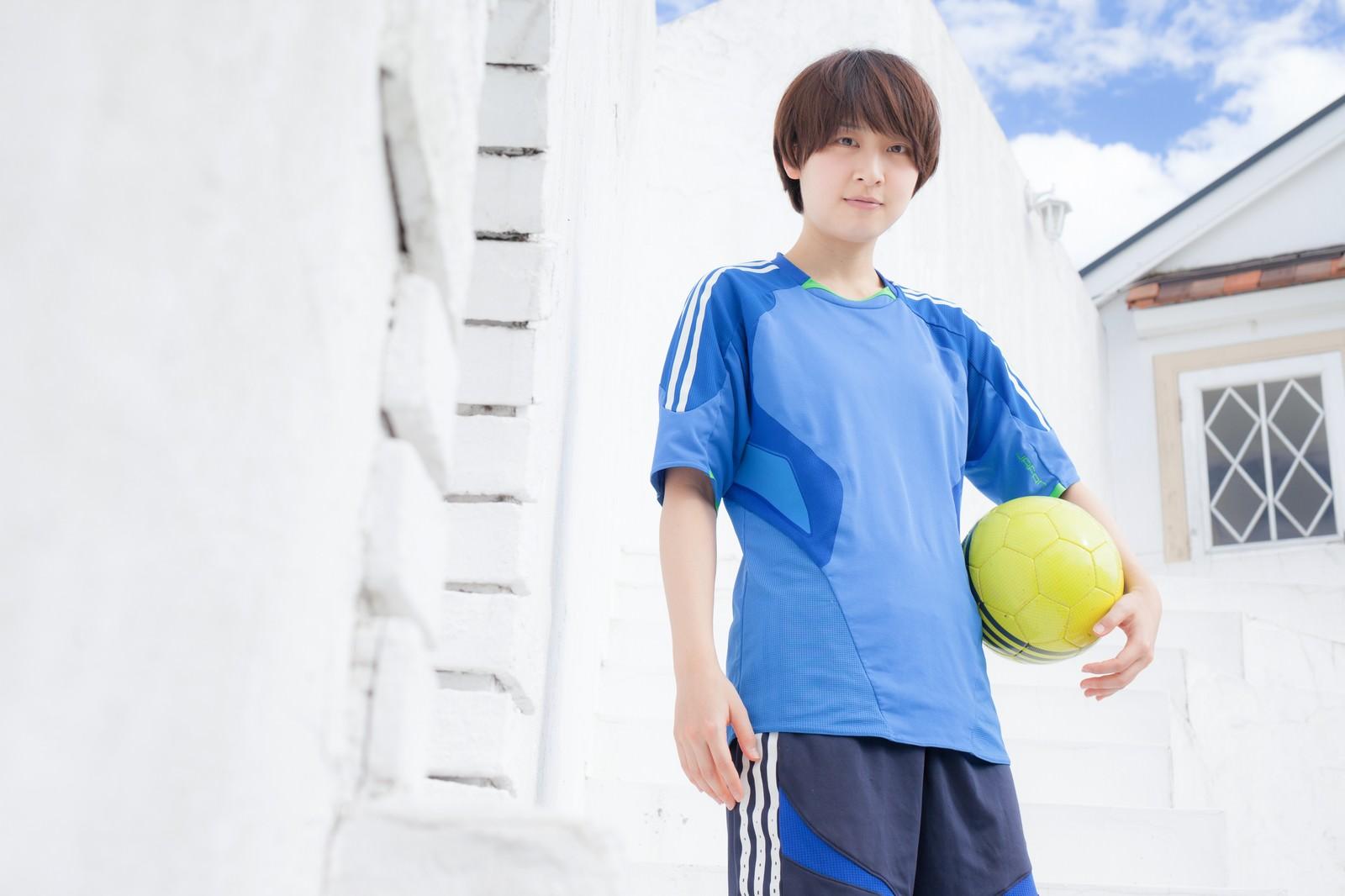 「サッカー女子にインタビュー」の写真[モデル:八木彩香]