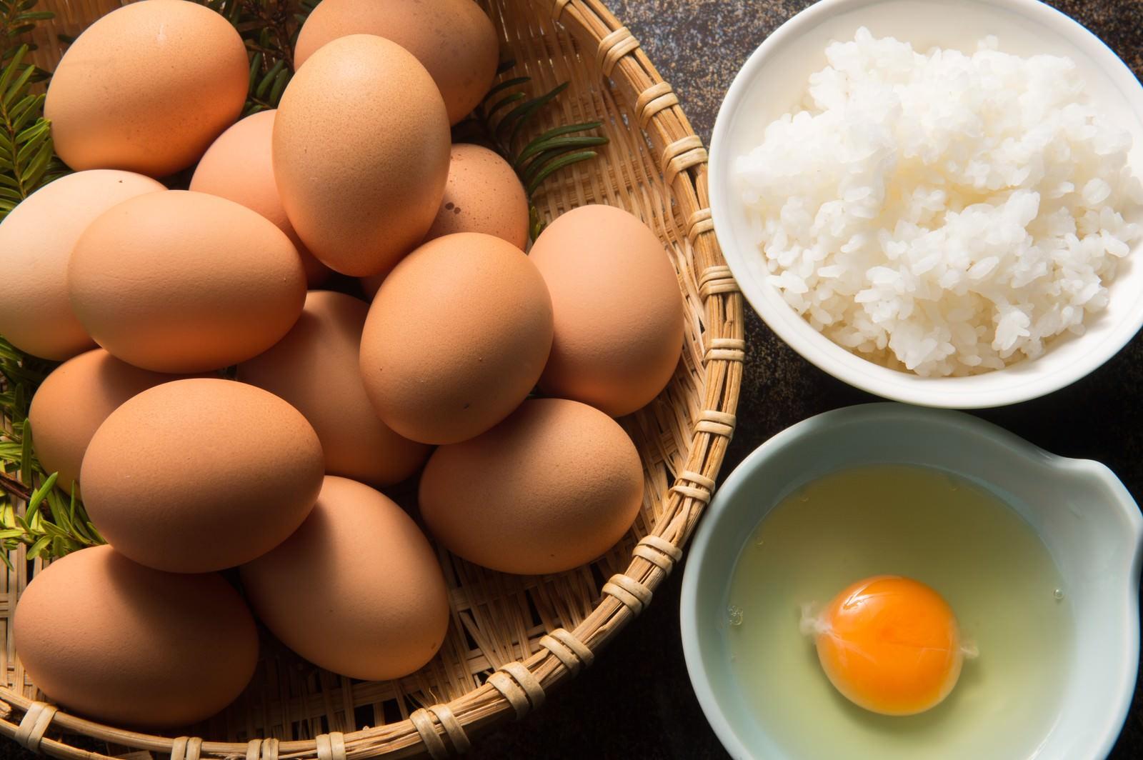 「朝から腹一体食べたい大食漢には「栄太郎」の卵かけご飯(TKG)」の写真