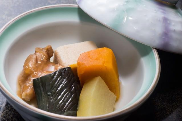 一切の手抜きがない栄太郎の煮物の炊き合わせの写真