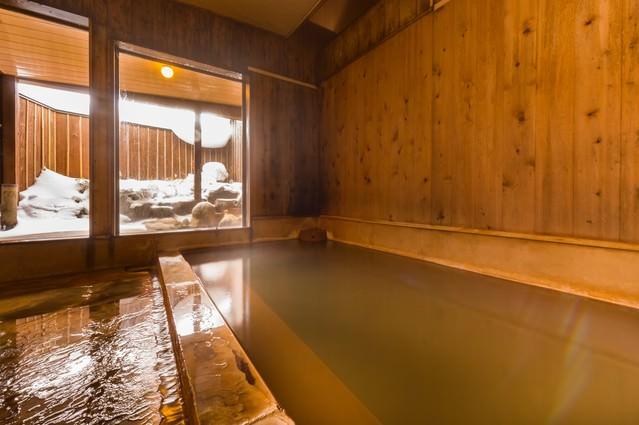重曹成分が強く肌がすべすべになる栄太郎の美肌の湯の写真