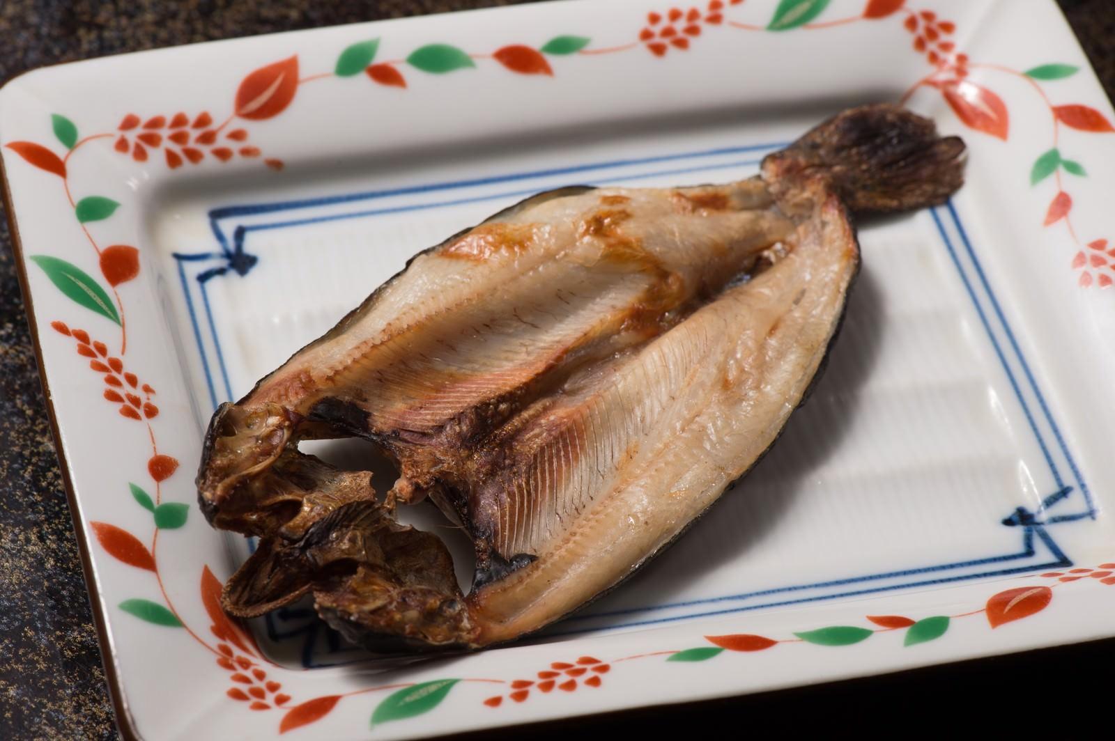 「うす塩味のニジマスの干物」の写真