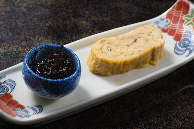 岐阜の料理師範の腕が光る栄太郎の出汁巻き玉子の写真
