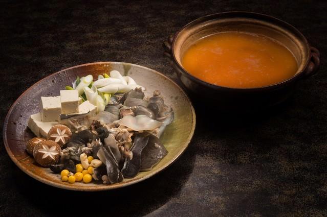 料理宿栄太郎のすっぽん鍋(提供:平湯温泉の長瀬スッポン養殖場)の写真