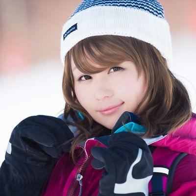 「雪山でも安心なレイヤリング。お気に入りのウェアだよ!」の写真素材