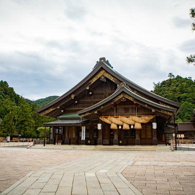 出雲大社の神楽殿の様子の写真