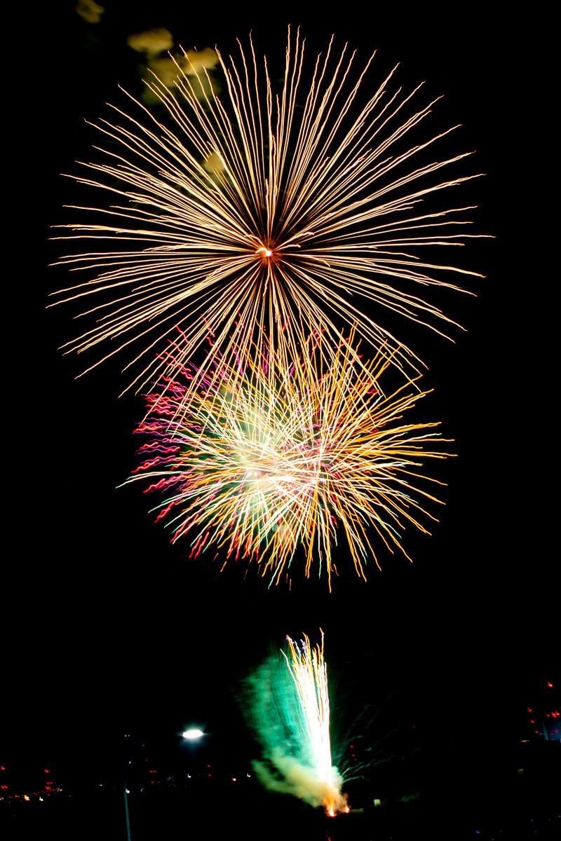 「ドドンと打ち上がる花火」の写真