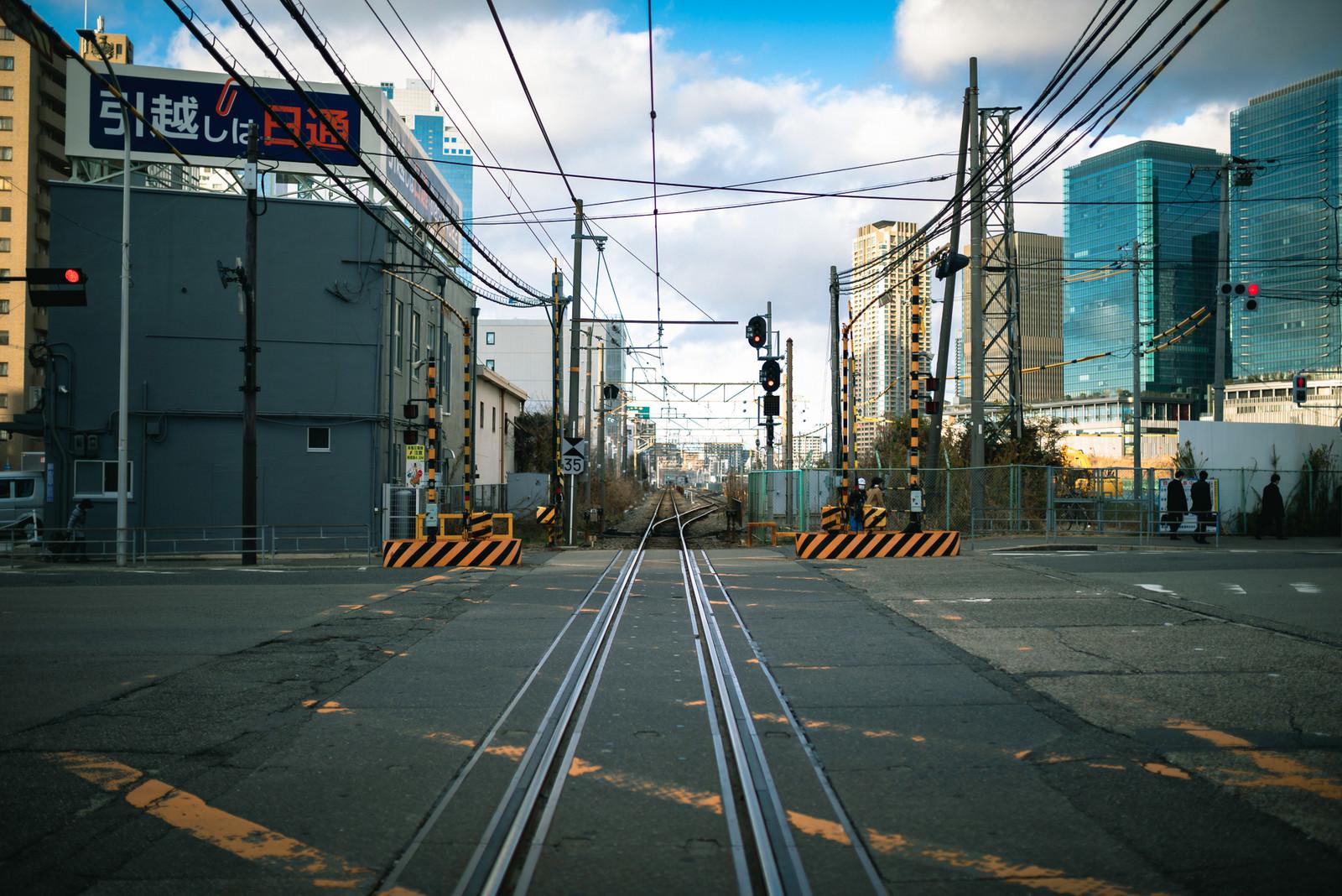 「踏切と線路上」の写真