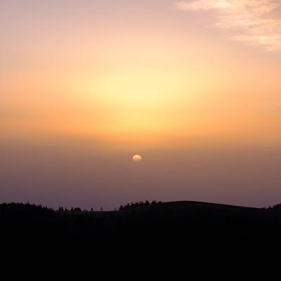 美ヶ原高原の夕焼けシルエットの写真