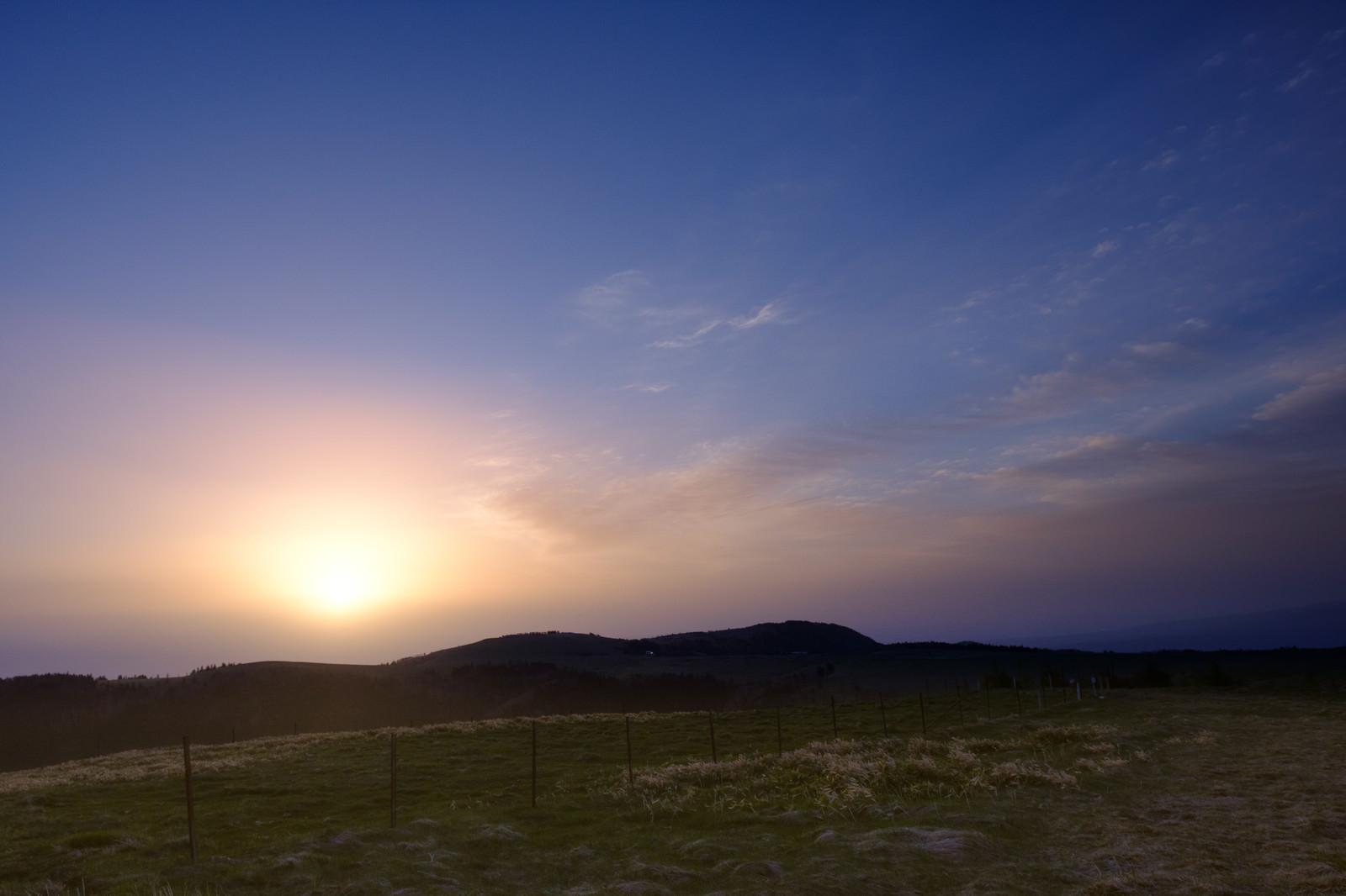 「日が暮れる直前の美ヶ原高原」の写真