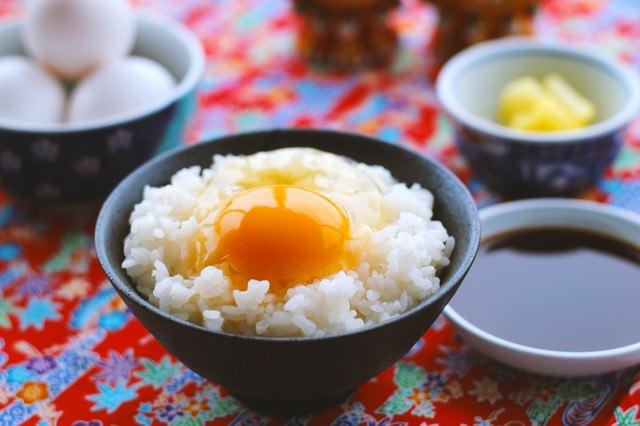 朝食はたまごかけご飯(TKG)の写真