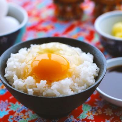 「朝食はたまごかけご飯(TKG)」の写真素材