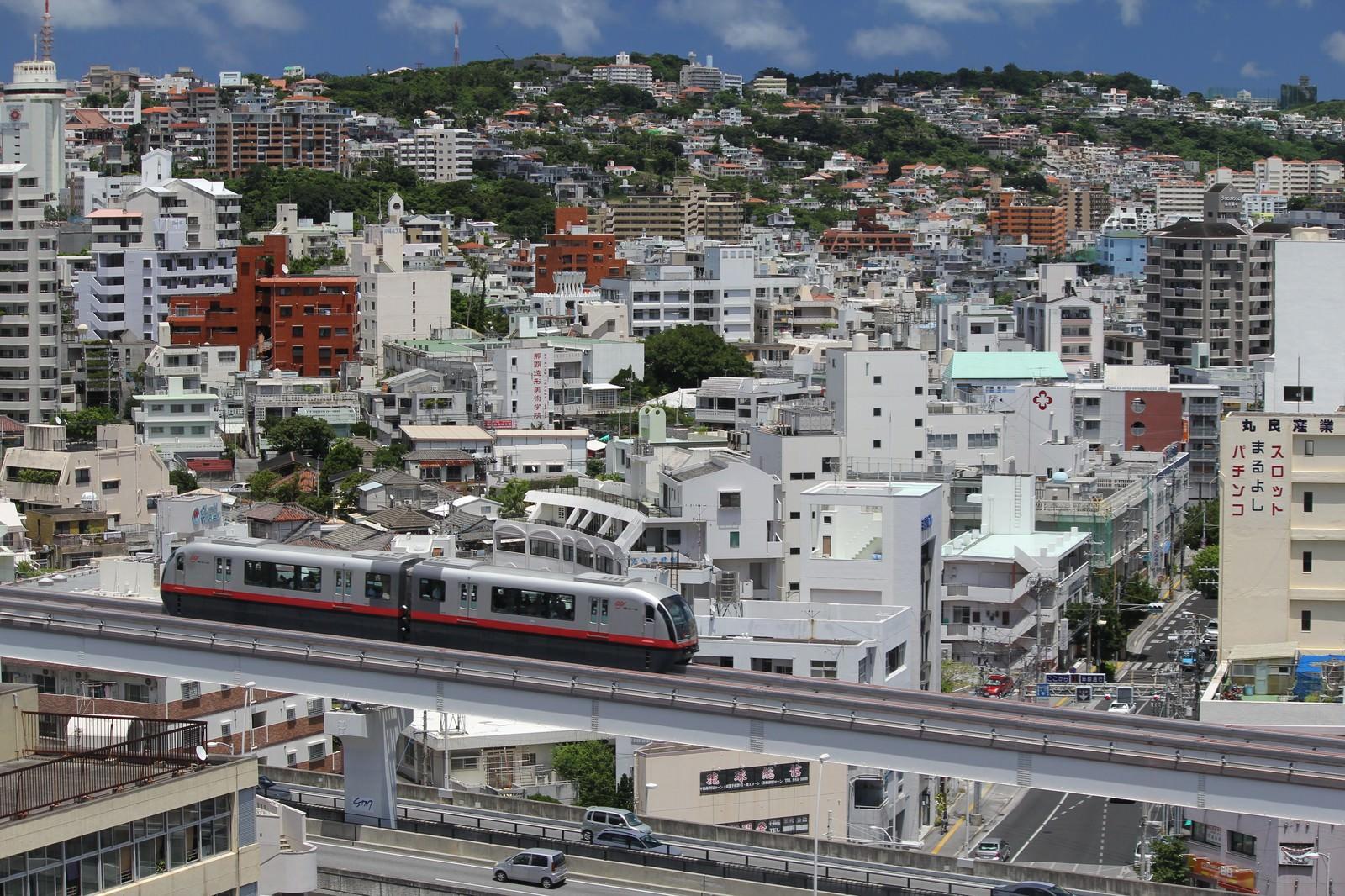 「沖縄の街並み」の写真