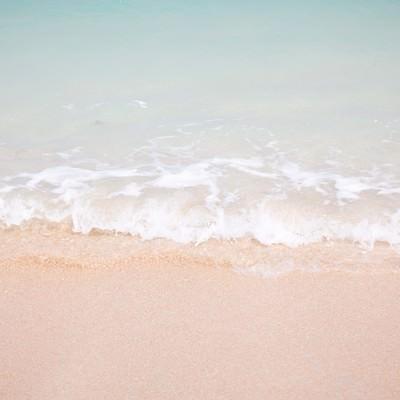 「南国の海(波打ち際)」の写真素材