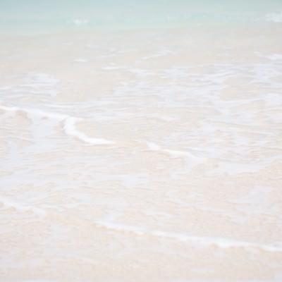 「砂浜の波」の写真素材