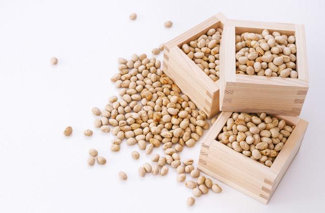節分の豆と枡の写真