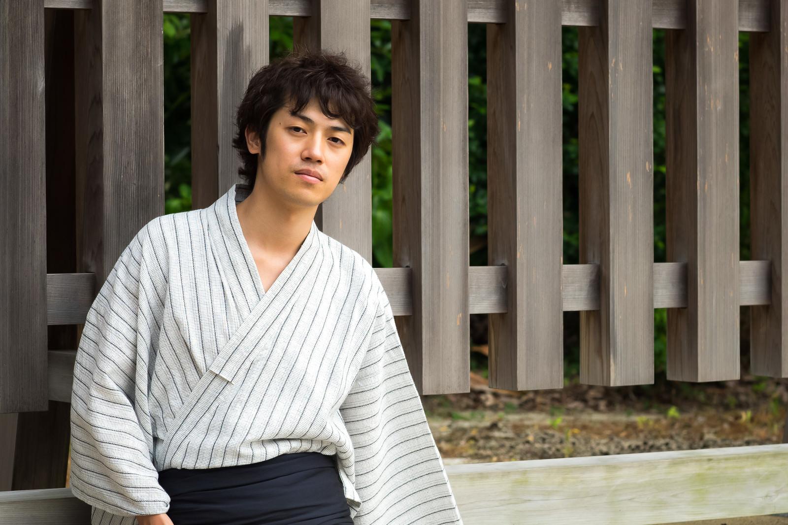 「浴衣姿でオフ会来ました浴衣姿でオフ会来ました」[モデル:Tsuyoshi.]のフリー写真素材を拡大