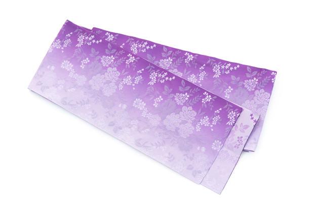 紫の帯(着付け)の写真
