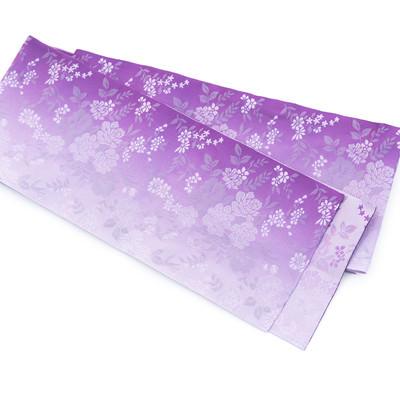 「紫の帯(着付け)」の写真素材