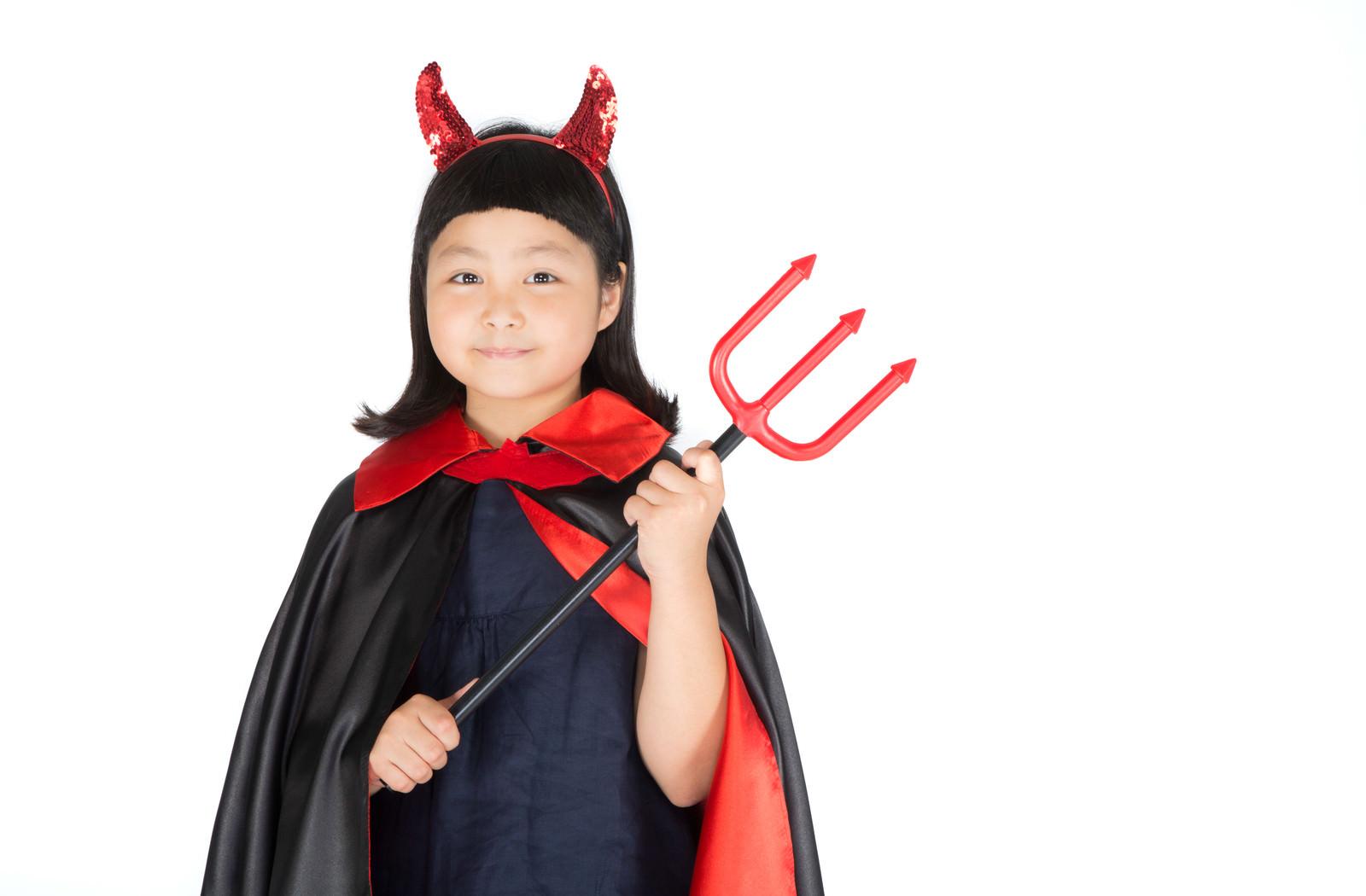 「ハロウィンの仮装が何よりの楽しみな娘」の写真[モデル:ゆうき]