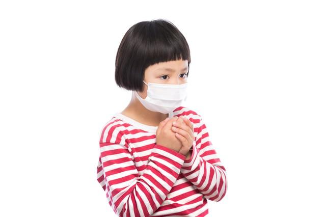 インフルエンザの予防に余念がない小学生