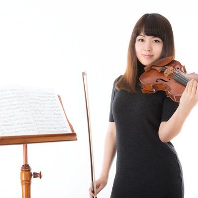 「優しいヴァイオリンの先生」の写真素材