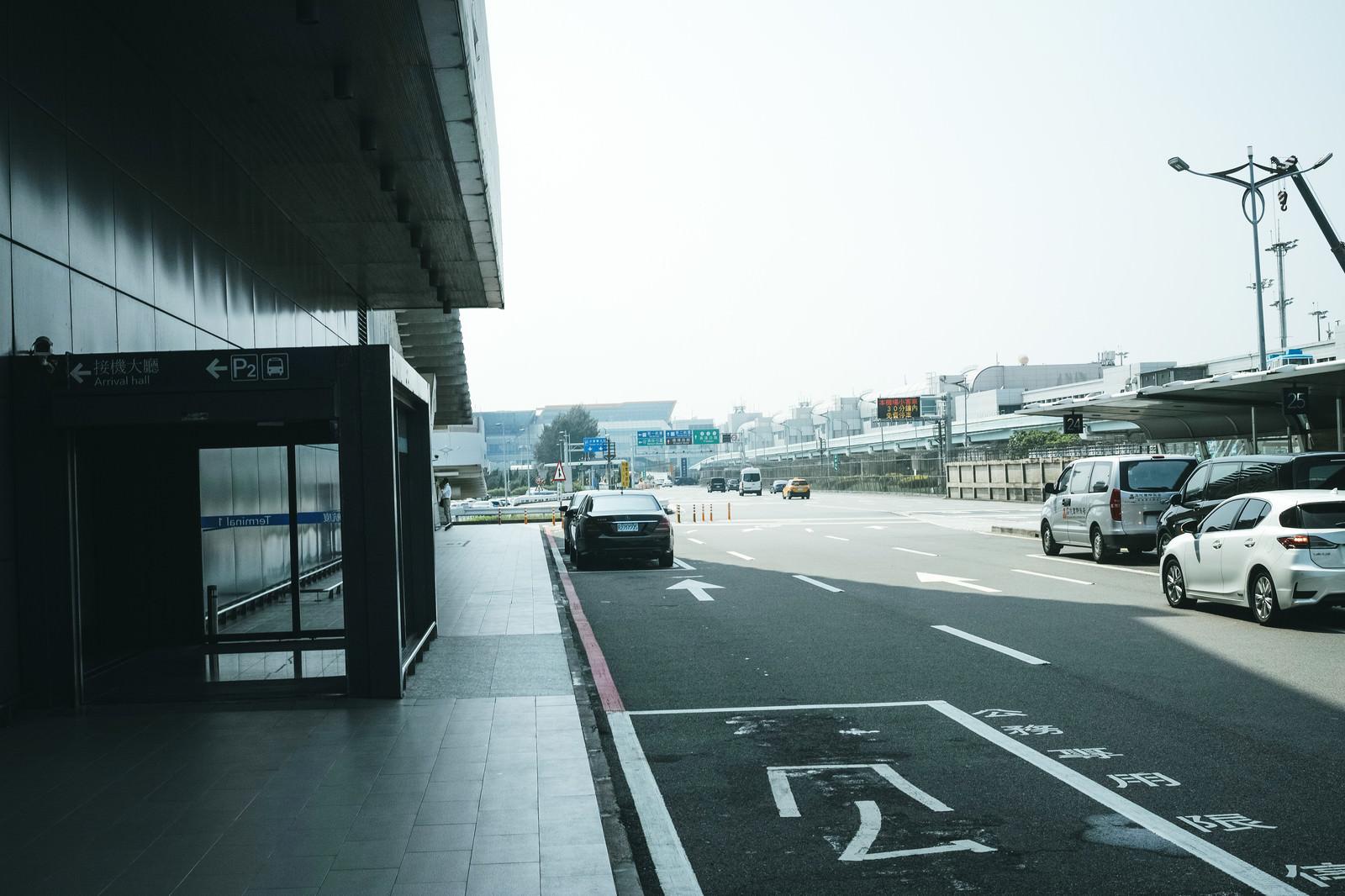 「台湾桃園国際空港のターミナル」の写真