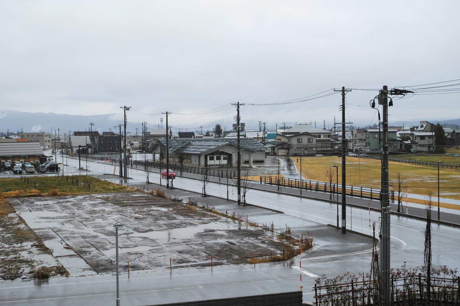 「雨降る街の風景」の写真